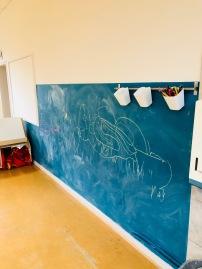 Tägliche Zwergenkunst an der Tafelwand